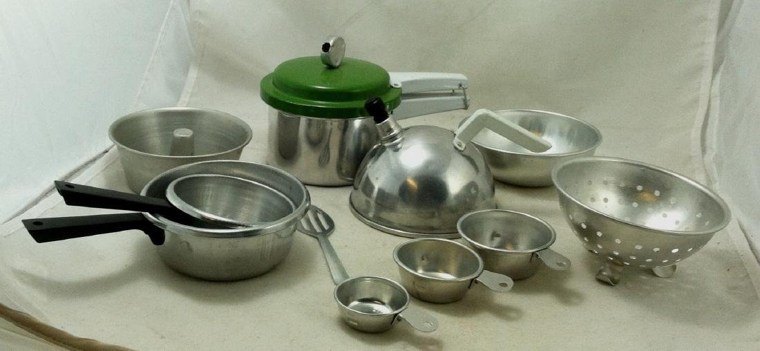 "10 Pc Lot Mini ""Mirro Jr.""Cooking Set - 6"