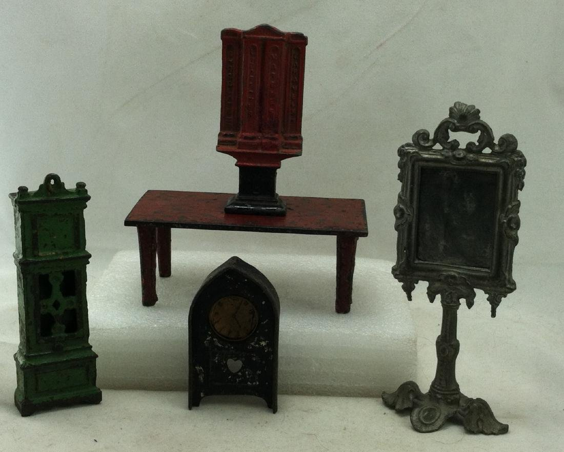 5 pc. Lot Realy Old  Metal Doll Furniture - 6