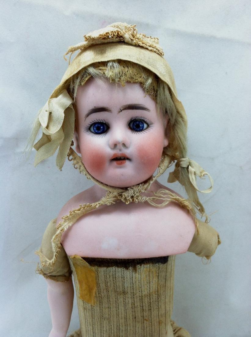 Early Heinrich Handwerck Doll. Needs Resoration - 2