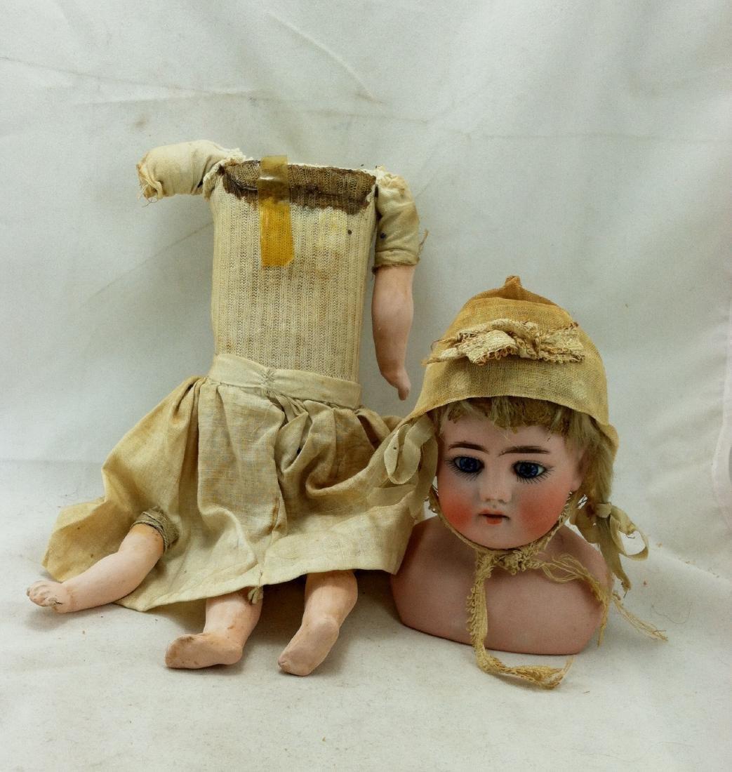 Early Heinrich Handwerck Doll. Needs Resoration - 4