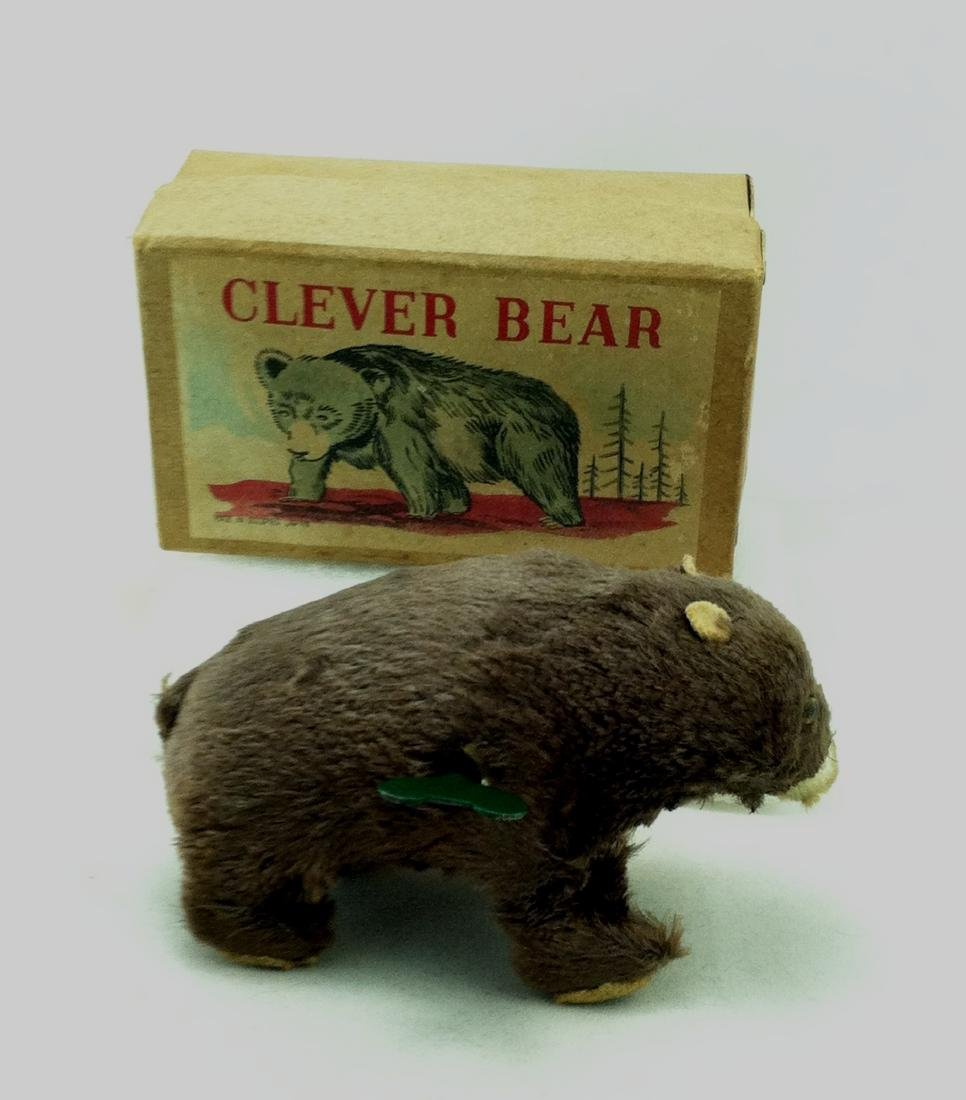 Clever Bear Win Up Occupied Japan.  MIB - 8