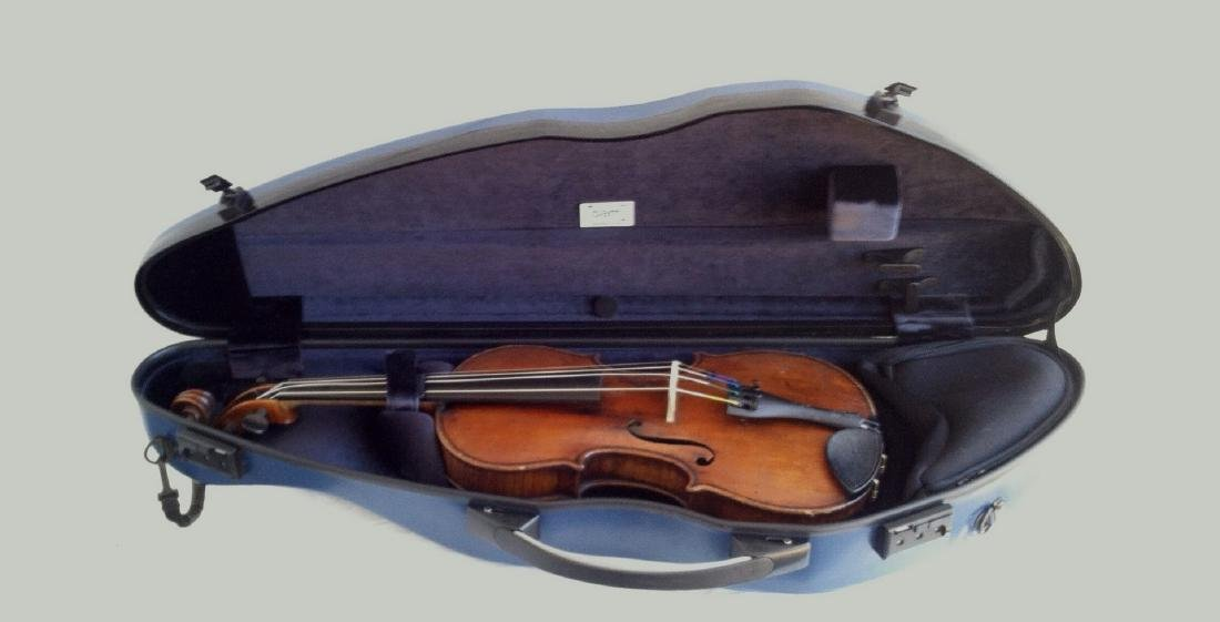 Old Violin - Says Stradivarius