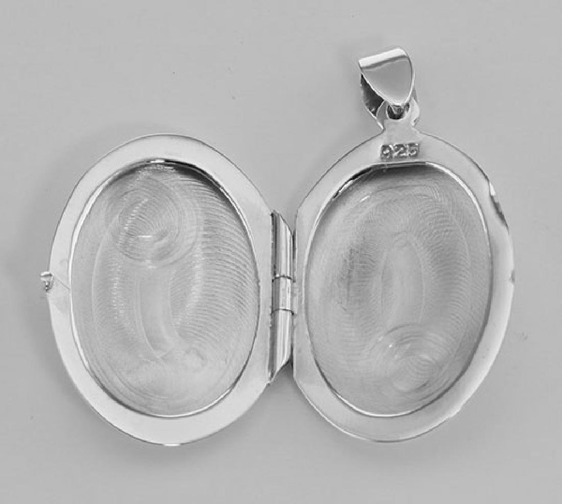 Silver Oval Locket - Smooth Engravable Pendant - 2