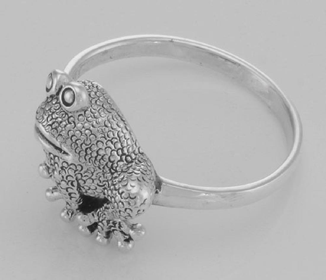 Cute Frog Ring - Toad Ring - Sterling Silver - 3