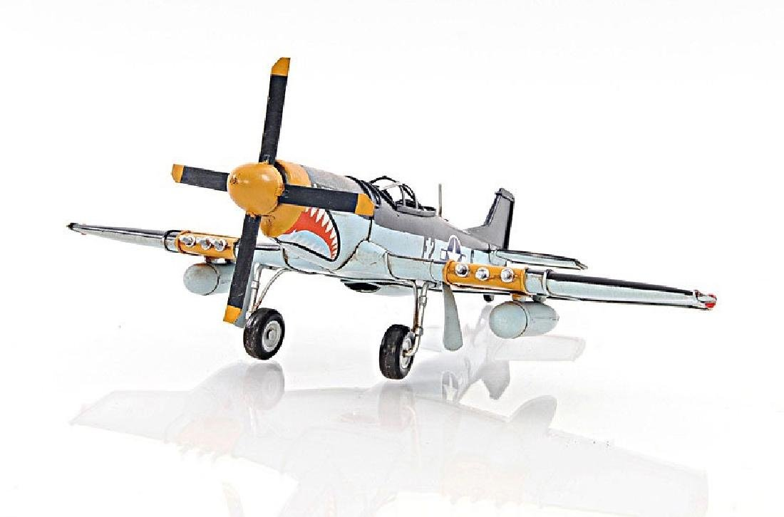 HAND MADE 1943 GREY MUSTANG P51 1:40TH SCALE MODEL
