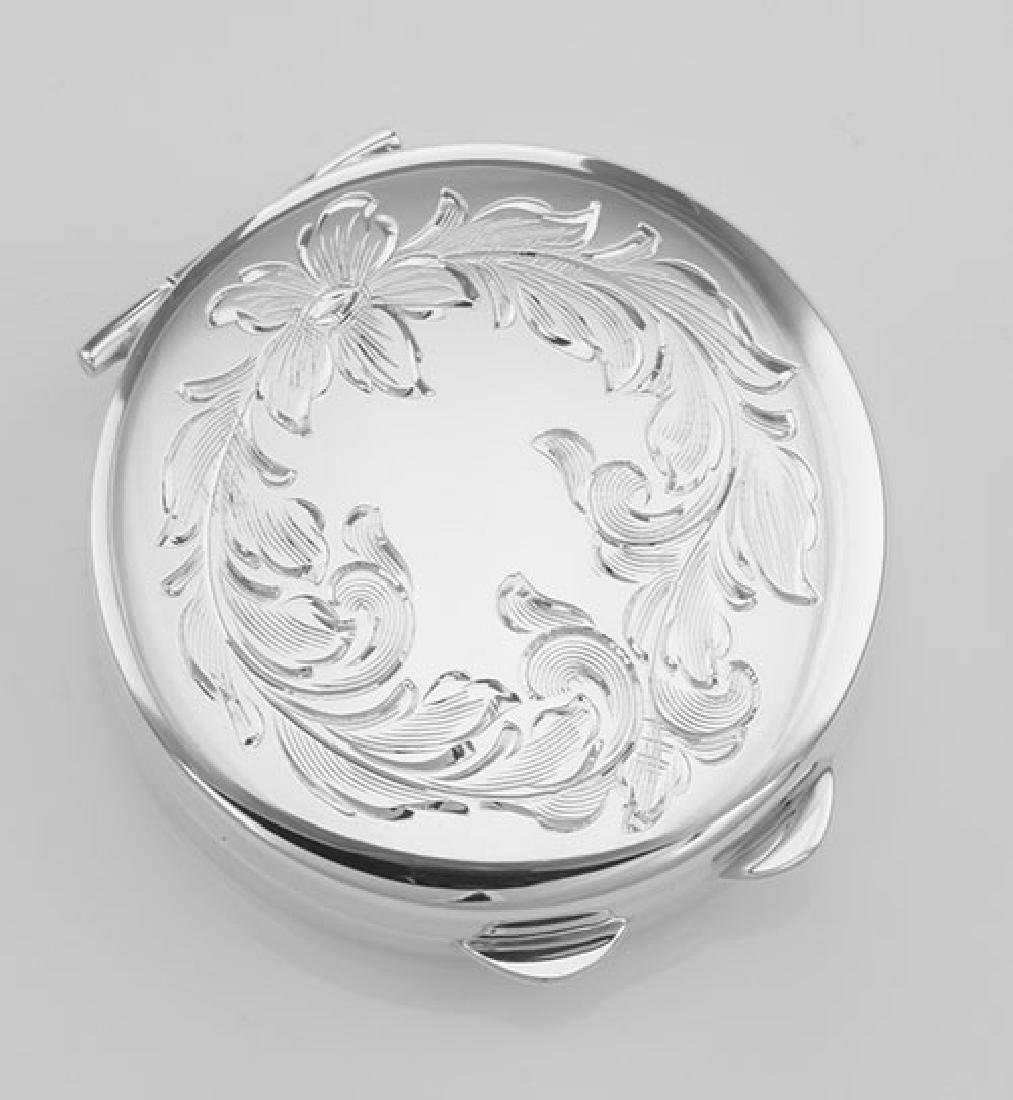 Antique Style Round Sterling Silver Pillbox Leaf Design