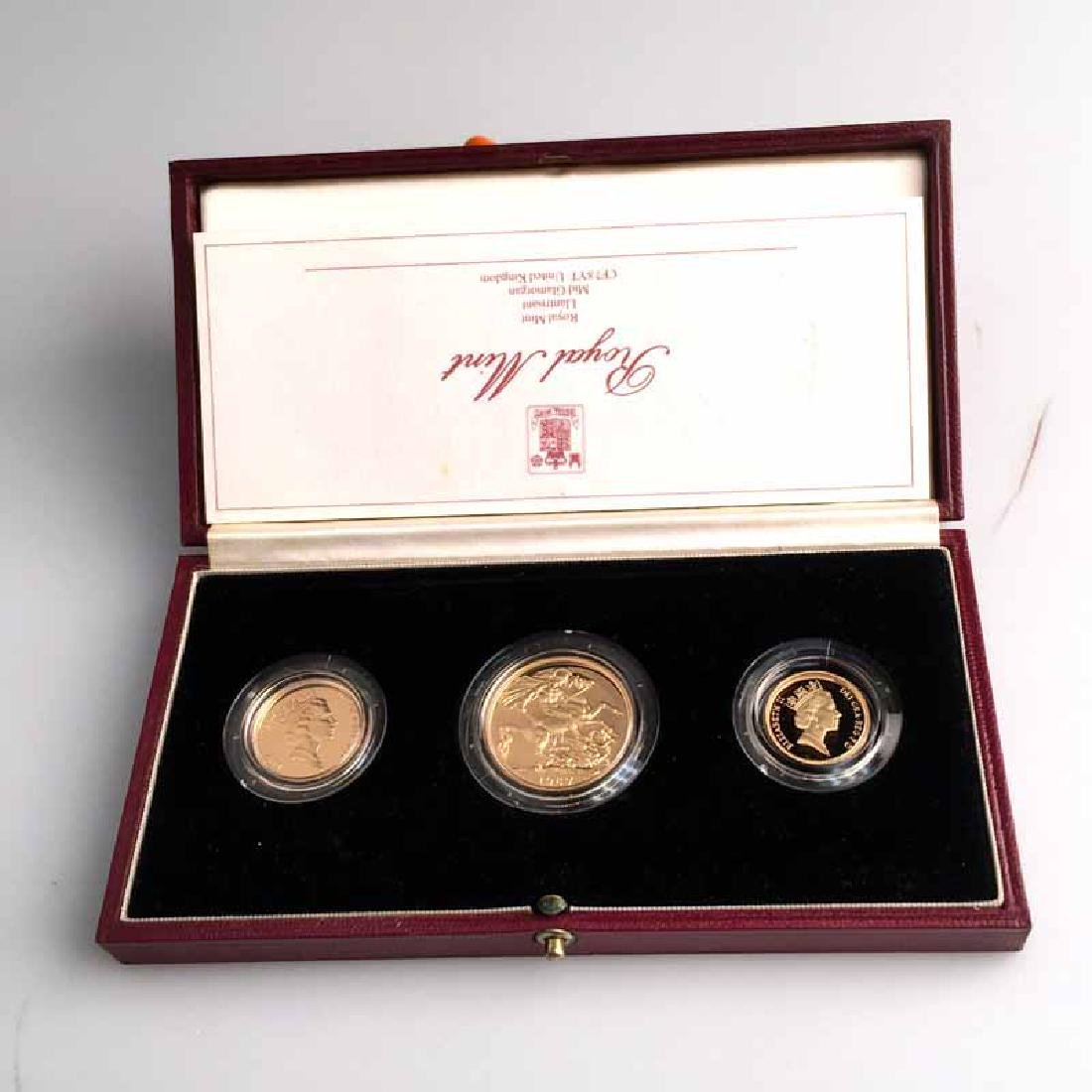 Great Britain 3 piece gold sovereign proof set 1987