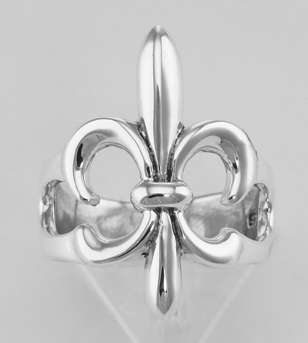 Classic Fleur de Lis Ring - Sterling Silver - 2