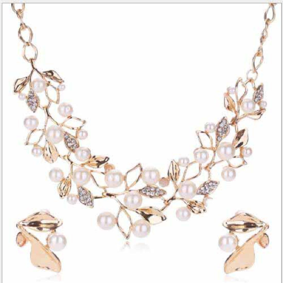 FLAWLESS CREATED DIAMOND 18K GOLD PLATED GERMAN SILVER