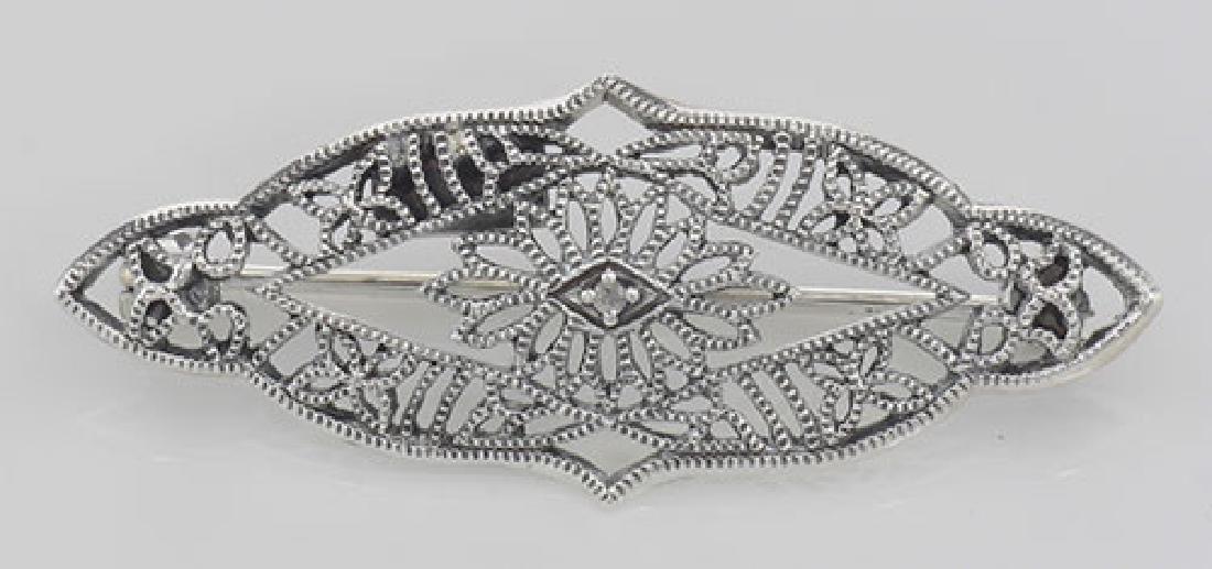 Antique Victorian Style Filigree Diamond Pin / Brooch i