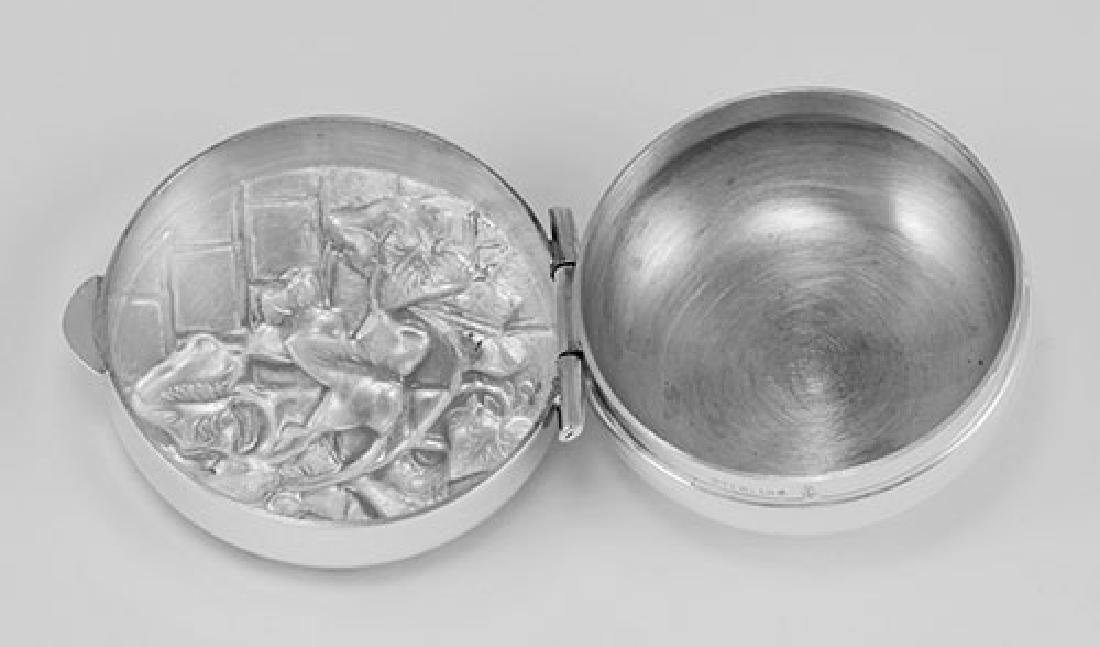 Sterling Silver Pillbox w/ Ivy Wall Design Made in USA - 2