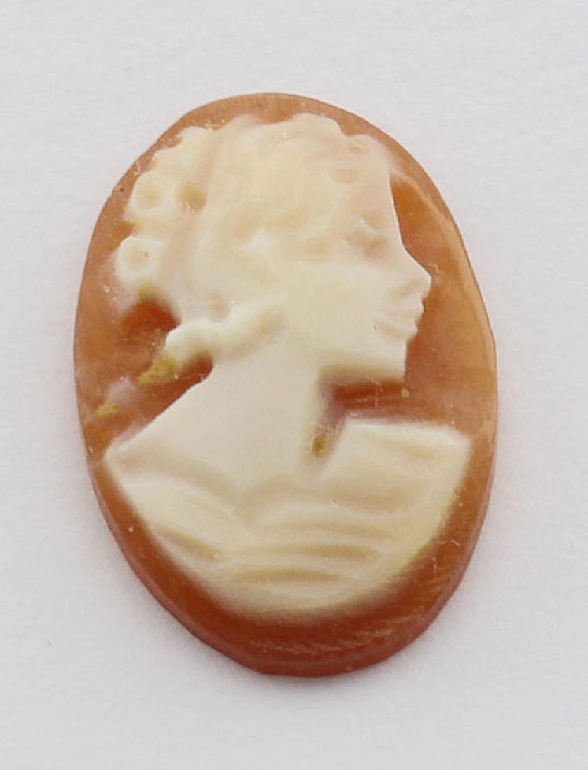 12 mm x 8 mm Oval Hand Carved Italian Shell Cameo - Loo