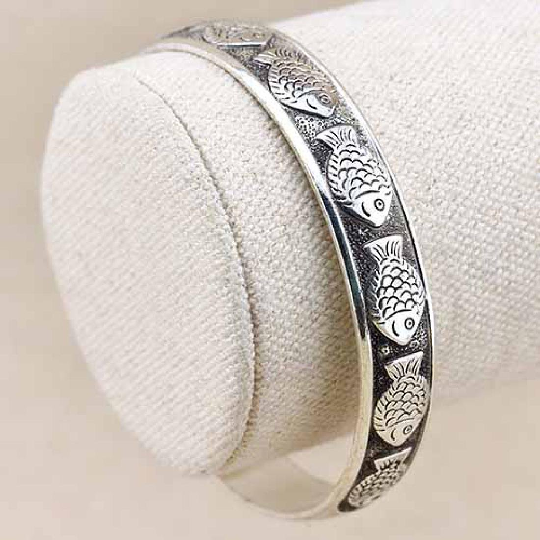 ANTIQUE SILVER ADJUSTABLE LUCKY FISH BANGLE