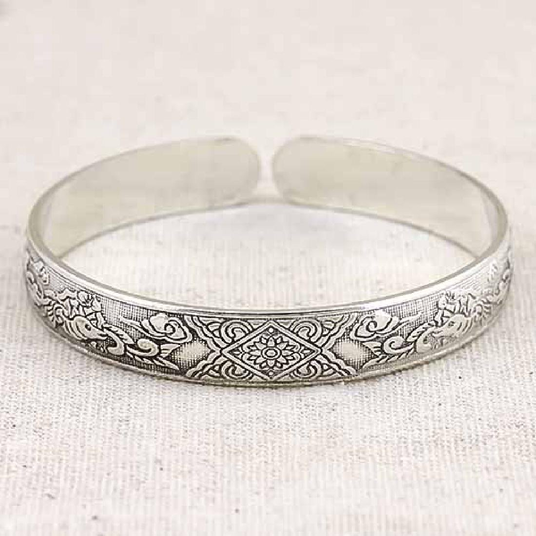 ANTIQUE SILVER ADJUSTABLE LUCKY BANGLE
