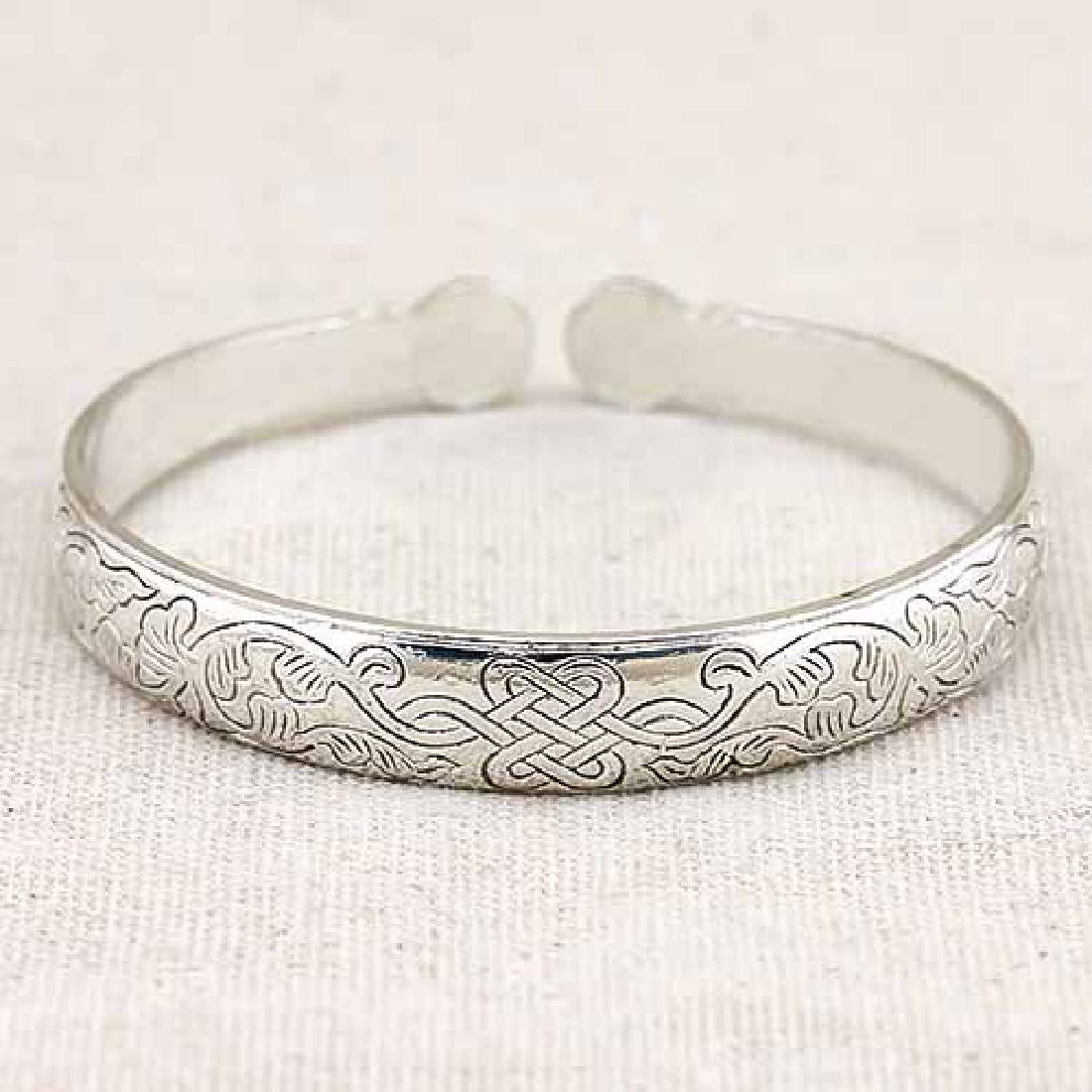 ANTIQUE SILVER ADJUSTABLE CHINESE KNOT LUCKY BANGLE