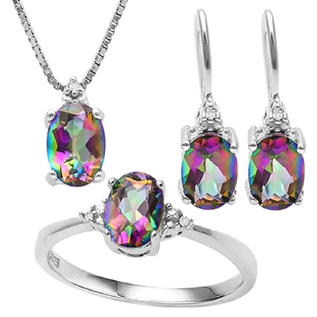 2 CARAT OCEAN RAINBOW MYSTIC GEMSTONE & (15 PCS) DIAMON