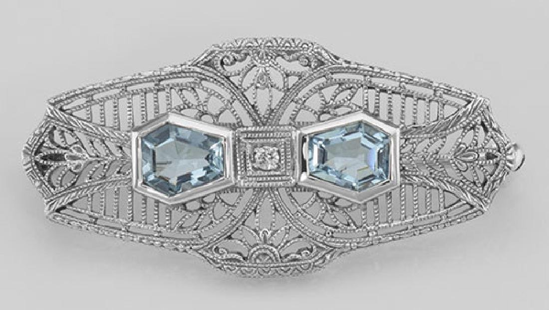 Victorian Style Blue Topaz Filigree Pin - Brooch - Ster