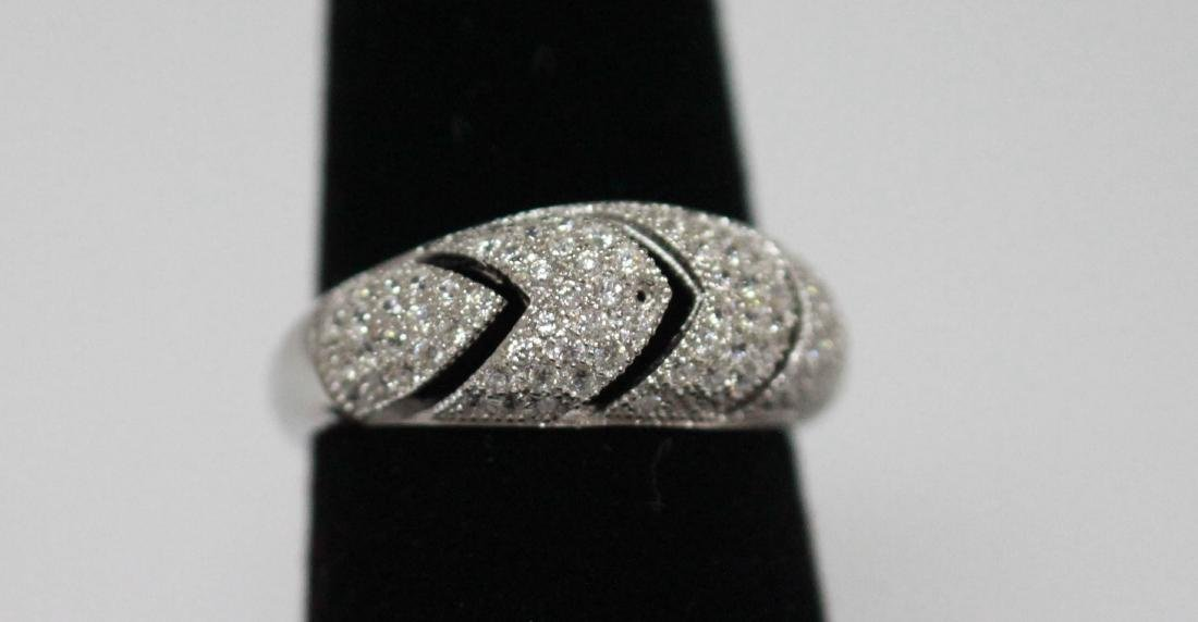 BEAUTIFUL .925 STERLING SILVER ROUND BAND RING W/ CZ EM
