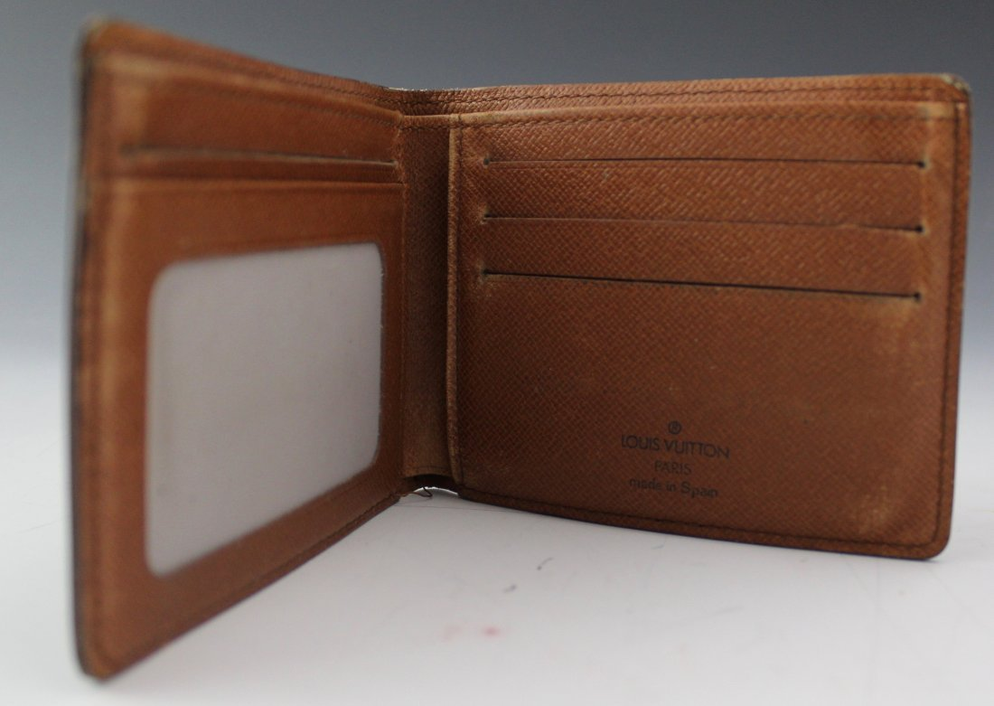 Louis Vuitton Wallet - 2