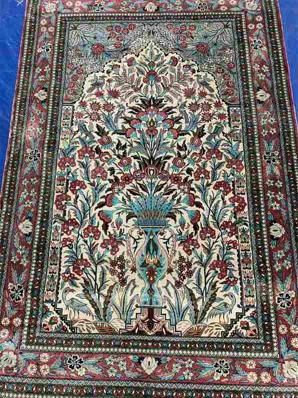 Very Fine Hand Woven Persian Qum Silk 6.5x4.1 ft