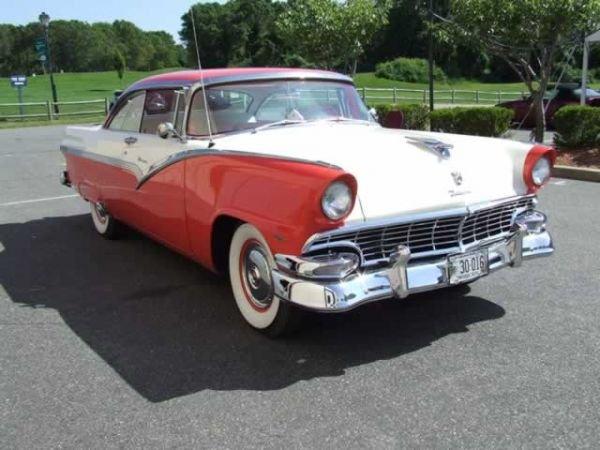 20: 1956 Ford Victoria 2 Door Hard Top