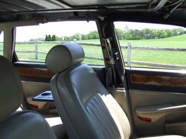 64: 1989 Jaguar XJ6 Vanden Plas Sedan - 4
