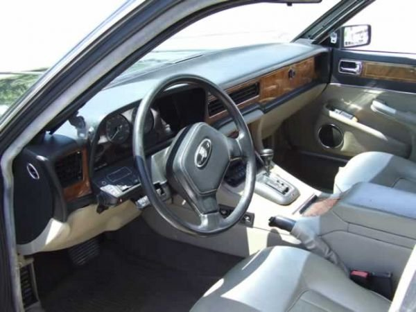 64: 1989 Jaguar XJ6 Vanden Plas Sedan - 7