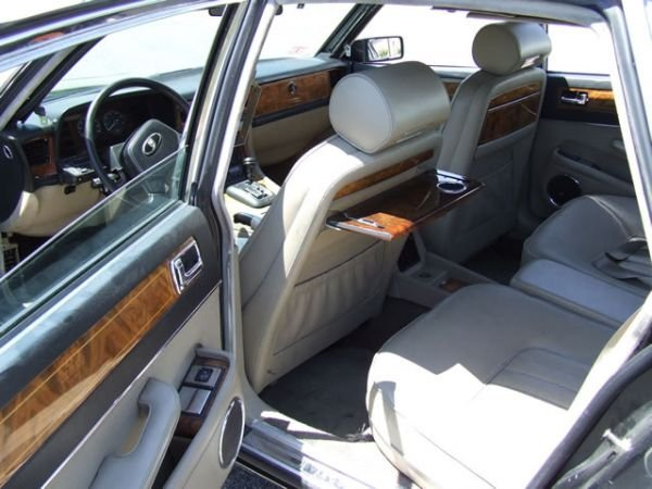 64: 1989 Jaguar XJ6 Vanden Plas Sedan - 8