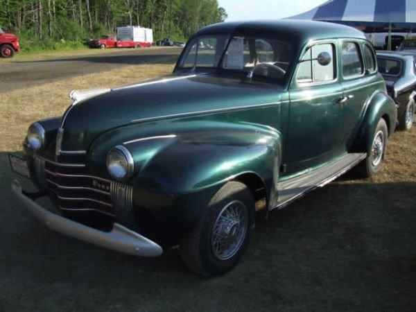 219: 1940 Oldsmobile 4DR SD