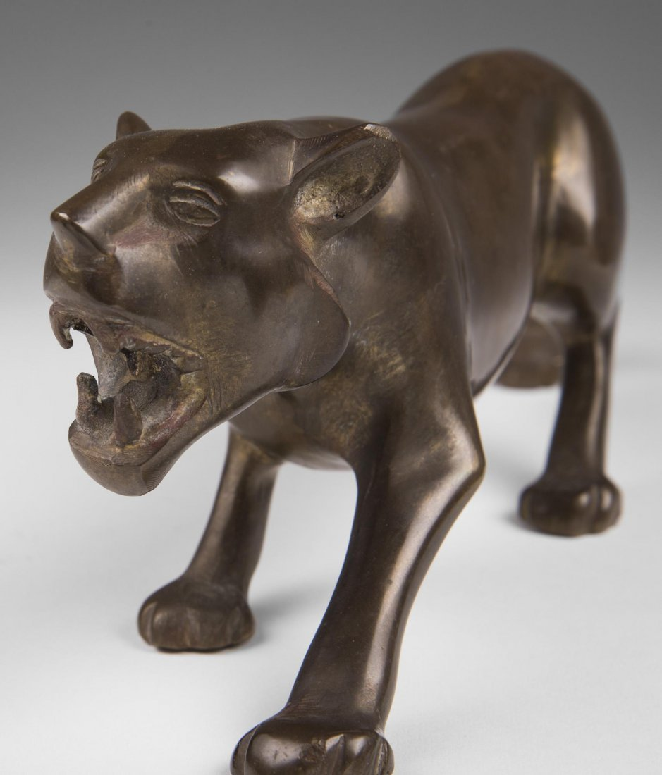 Japanese Bronze Stalking Lion - 3