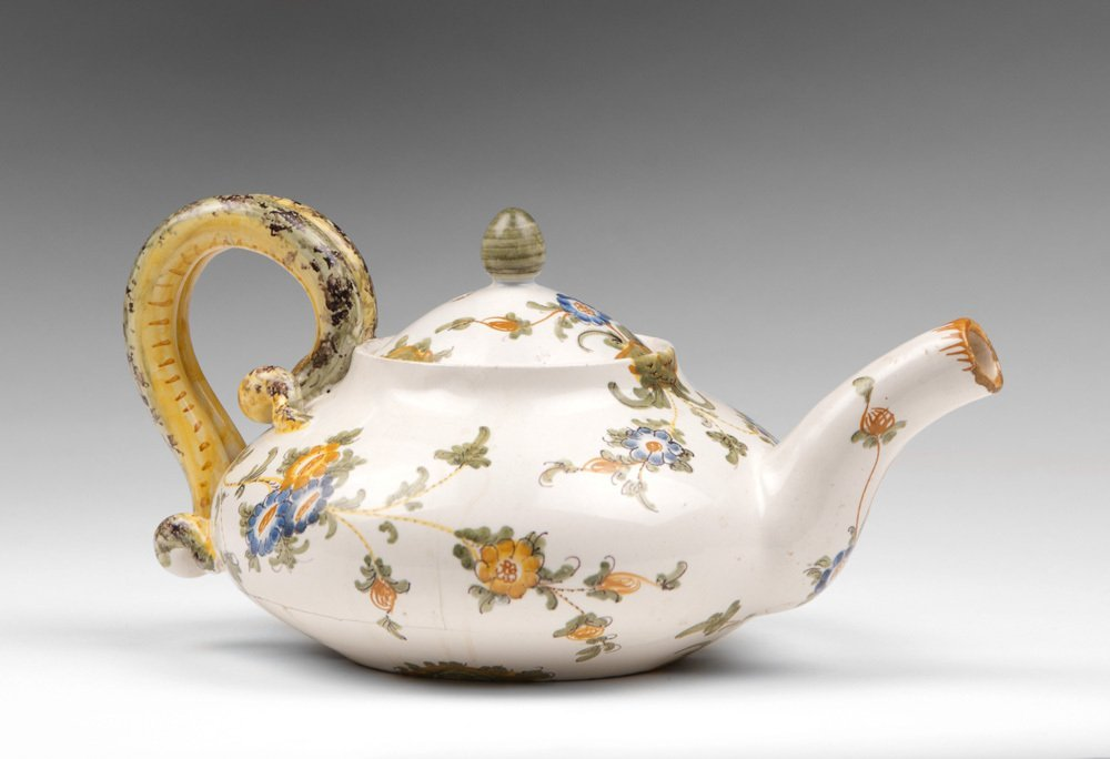 Italian Cantagalli Teapot