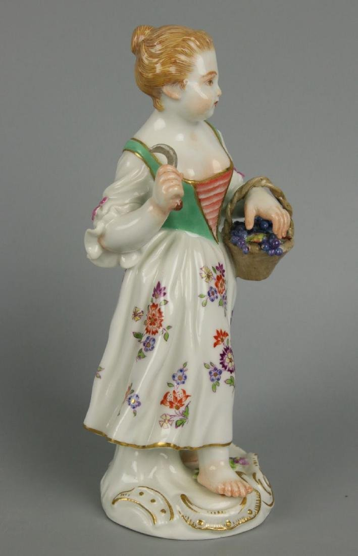 "Meissen Kaendler Figurine ""Girl With Knife And Basket"" - 2"