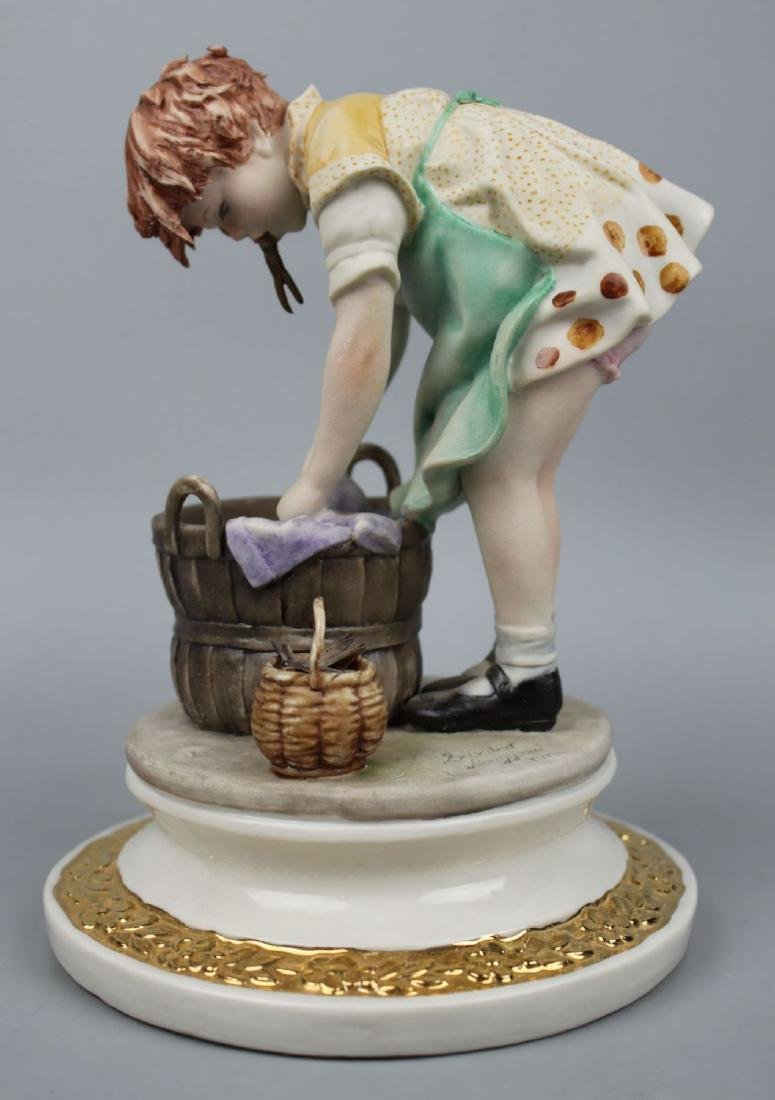 """Capodimonte Sandro Maggioni Figurine """"Girl Washing"""