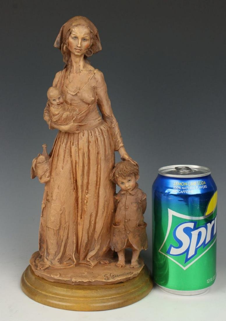 "Giuseppe Armani Figurine ""Gypsy Woman"" - 10"