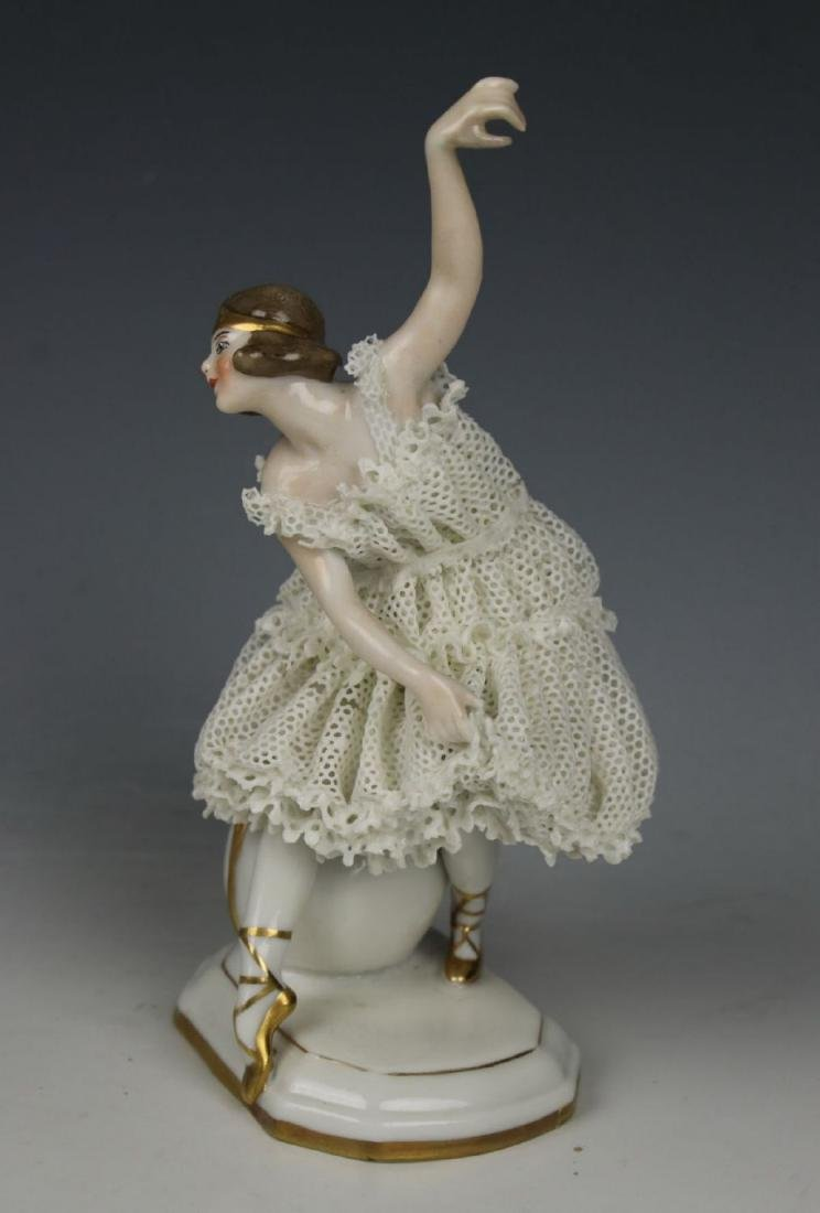"Galluba & Hofmann Figurine ""Ballerina with Ball"""