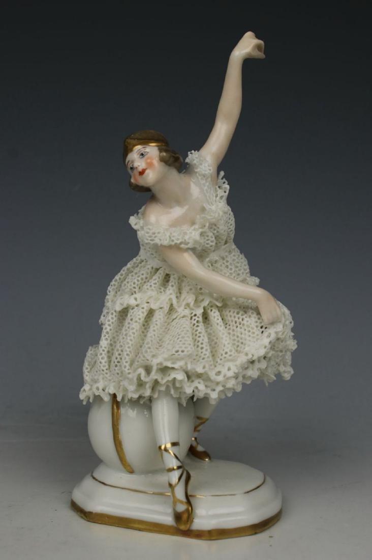 "Galluba & Hofmann Figurine ""Ballerina with Ball"" - 6"