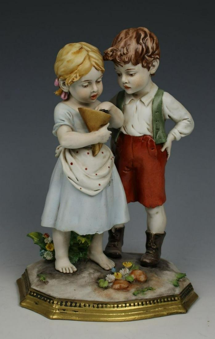 "Capodimonte Benacchio Figurine ""Boy and Girl Eating"