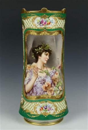 """KPM Berlin N. C. Kiesel Vase """"Chrysanthemum"""""""