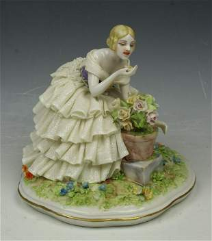 "Capodimonte Luigi Fabris figurine ""Lady Smelling"