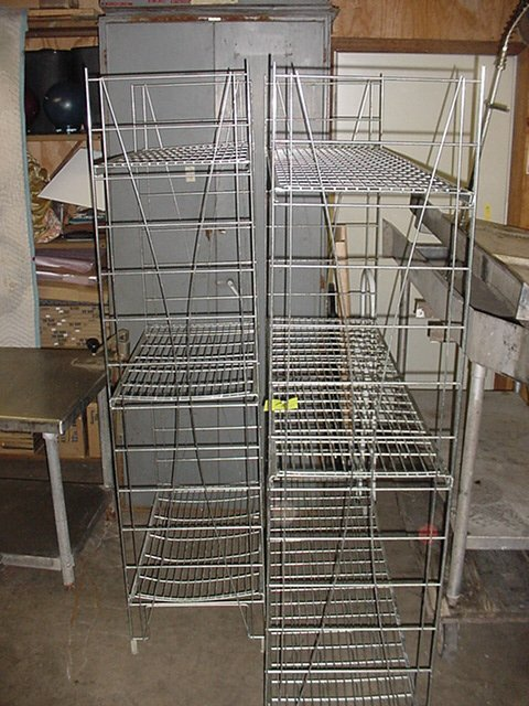 78: CHROME WIRE RACKS
