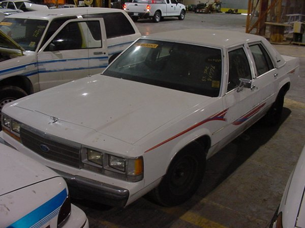 294: 1991 FORD CROWN VICTORIA