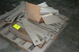 390: PALLET OF BLADES FOR MOWER BOX/BUSH HOG