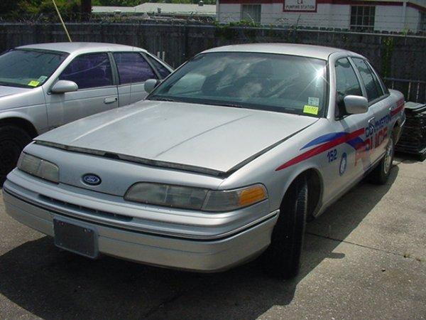 430: 1992 FORD LTD