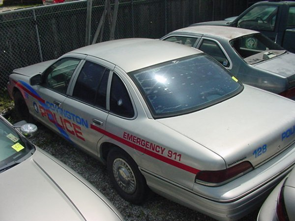 438: 1993 FORD CROWN VICTORIA