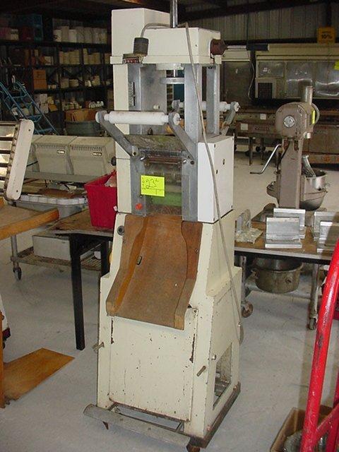 23: SAIMA RAVIOLI FORMING MACHINE, RS81