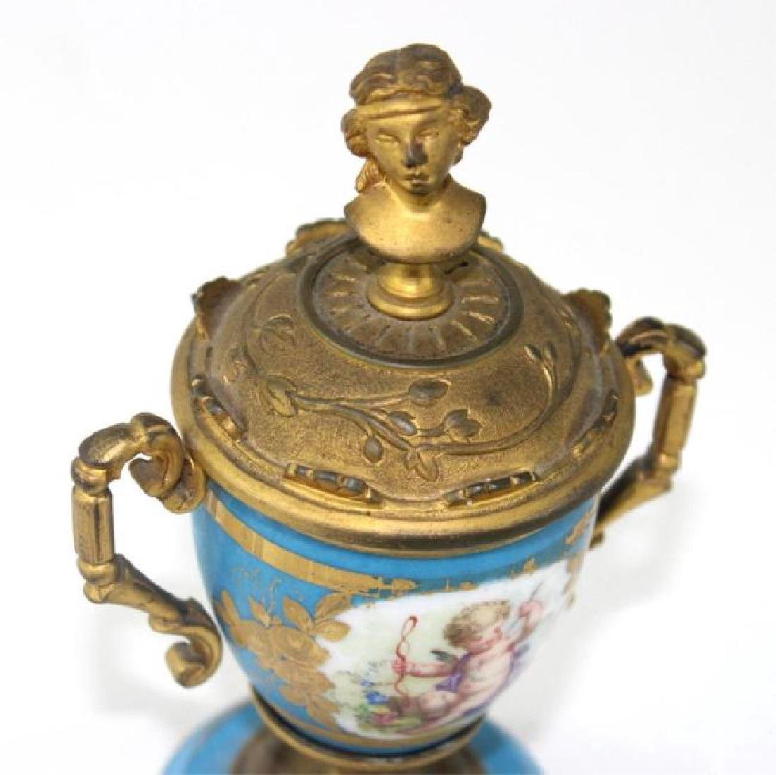 FRENCH SERVES URN, BRONZE MOUNTED - 2