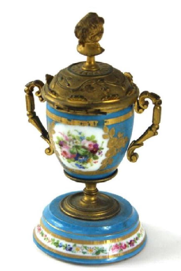 FRENCH SERVES URN, BRONZE MOUNTED - 3