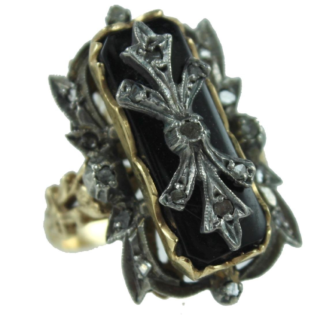 ANTIQUE DIAMOND & ONYX RING