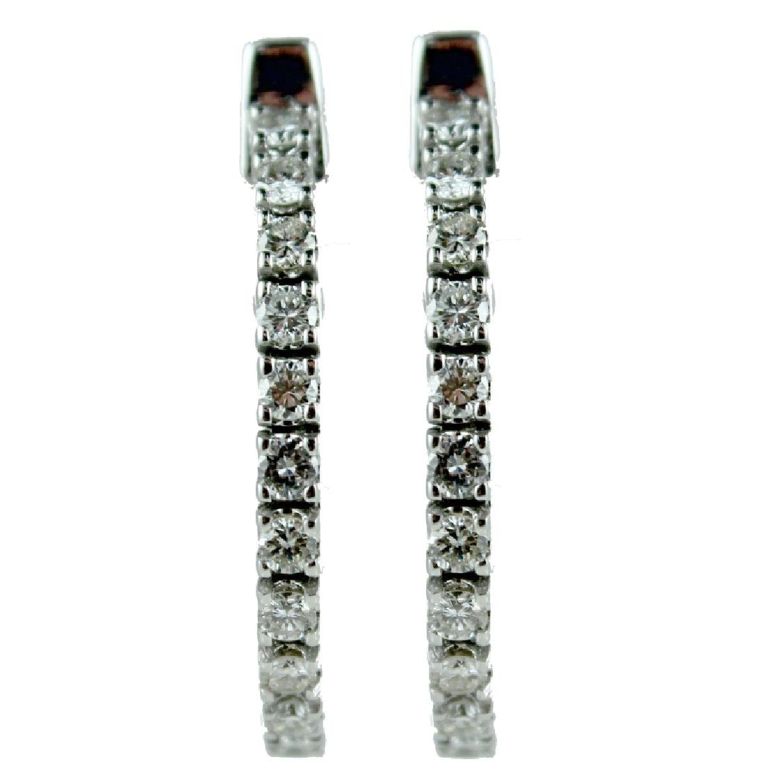 18 KARAT WHITE GOLD DIAMOND HOOP EARRING