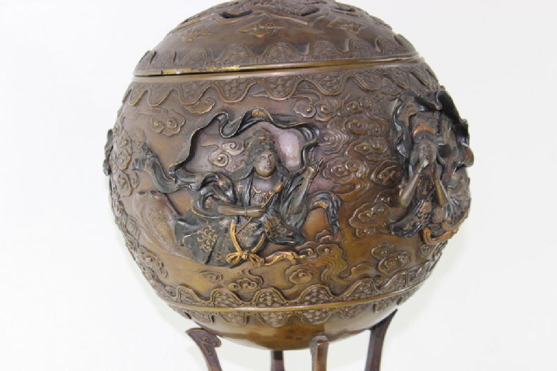 Monumental Japanese Meiji Figural Bronze - 7